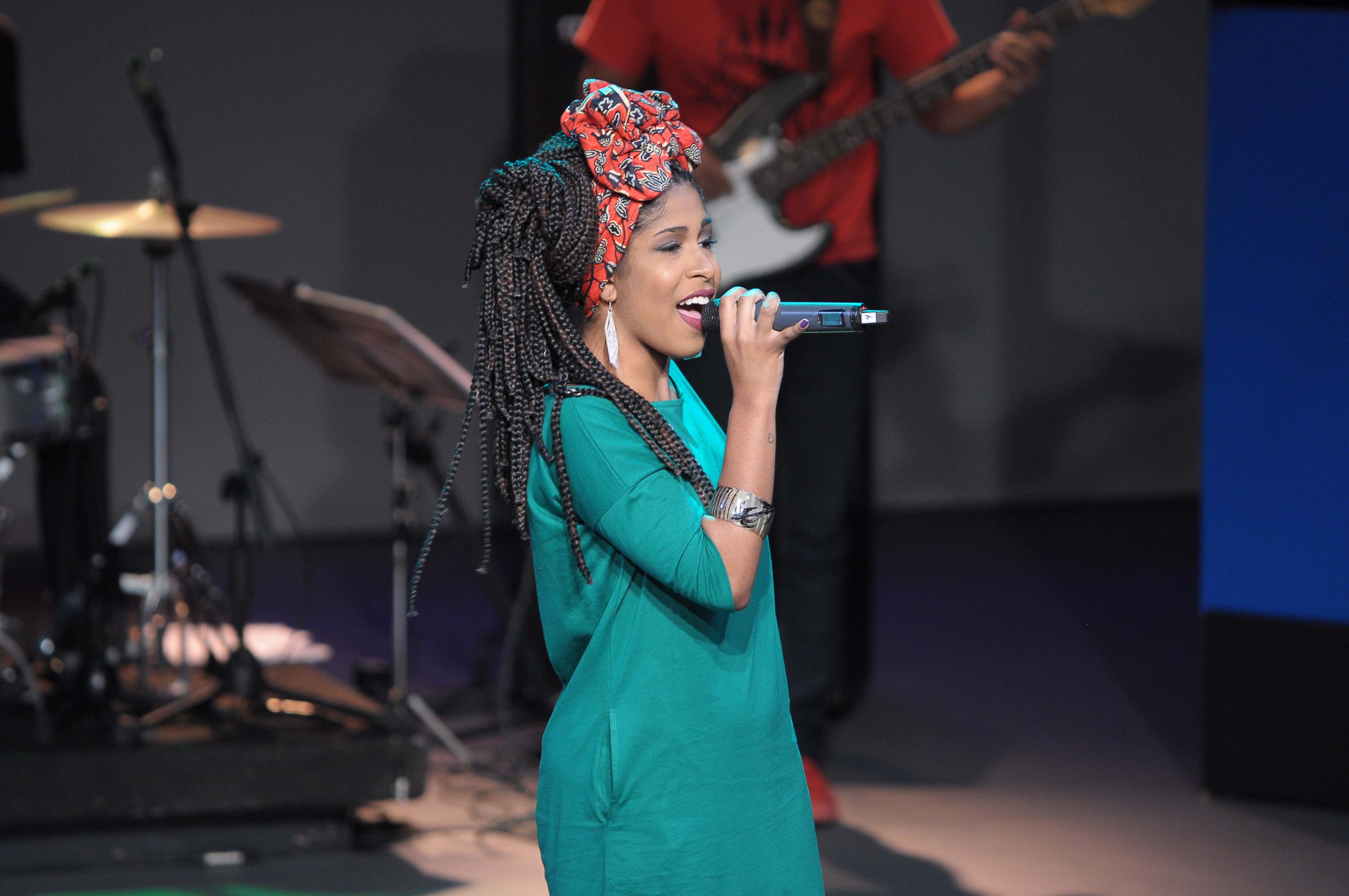 A cantora, que está no mundo do rap desde os 14 anos, também conta sobre o projeto Rimas & Melodias. O programa vai ao ar no sábado (23/7), às 19h, na TV Cultura