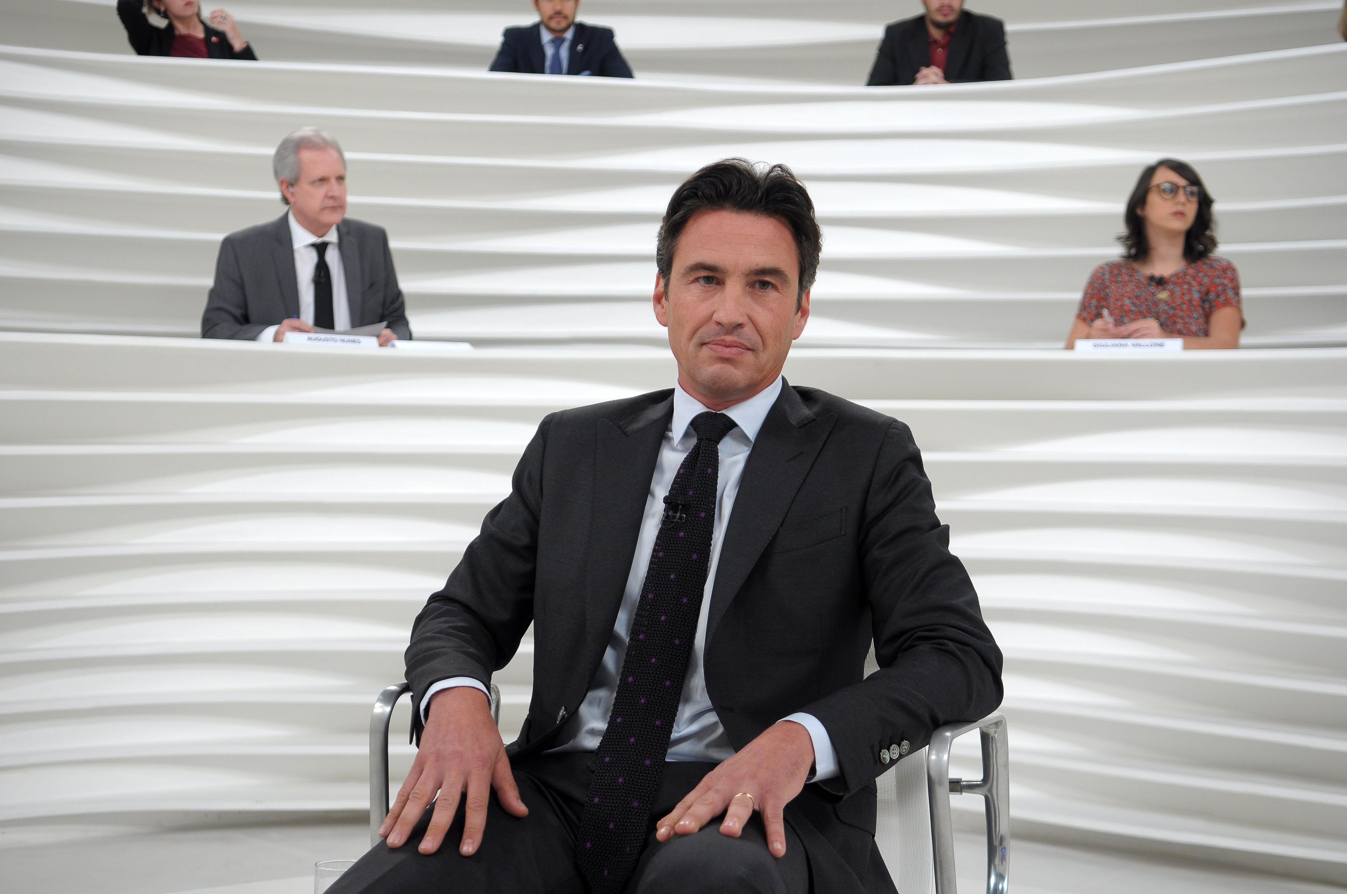 Damien Loras fala dos atentados terroristas em território francês, entre outros assuntos, no programa desta quinta-feira (11/8), às 23h30, na TV Cultura