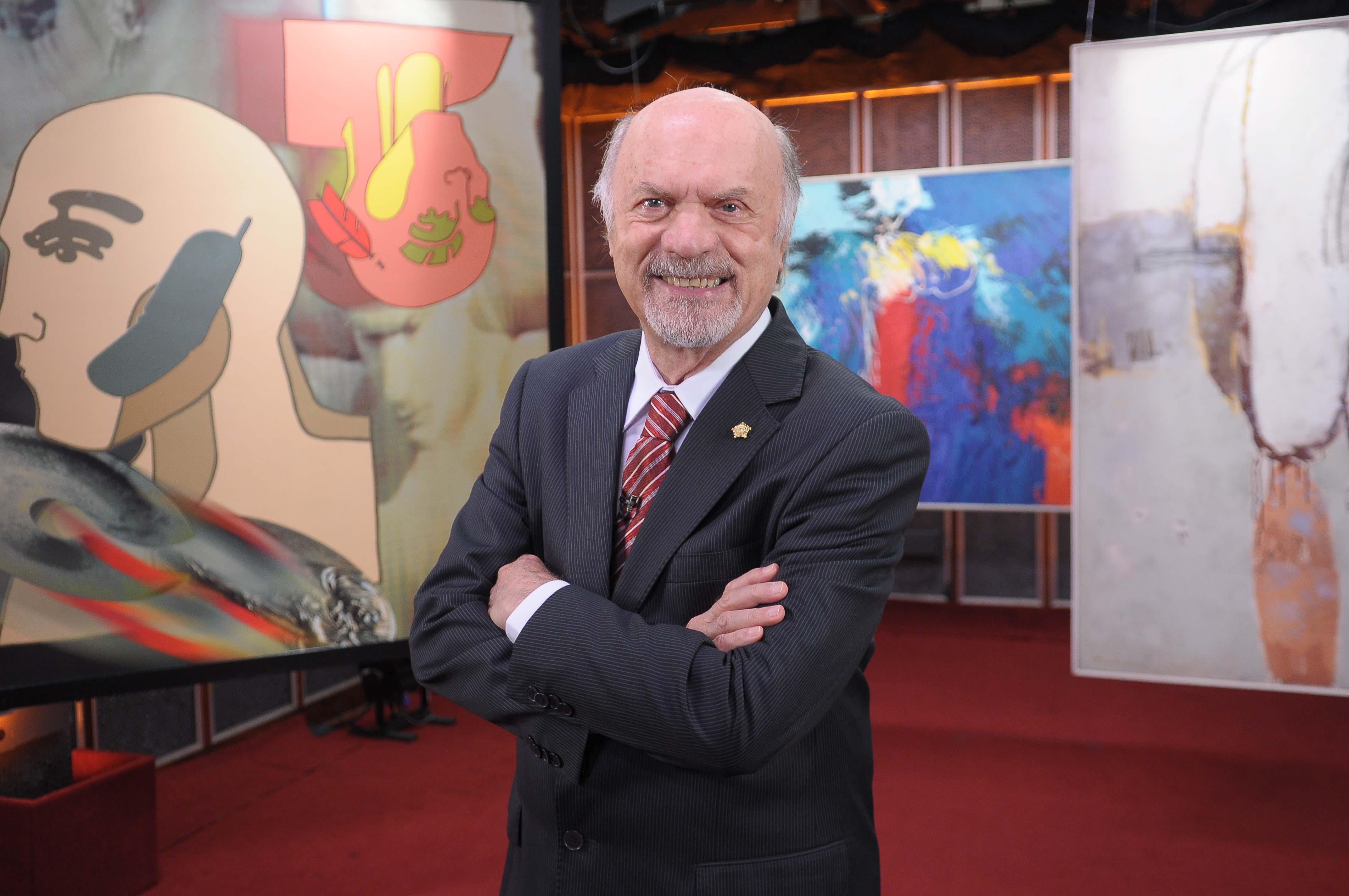 Maestro Júlio Medaglia apresenta peças interpretadas por grandes artistas nacionais e estrangeiros. Vai ao ar ao meio-dia, na TV Cultura